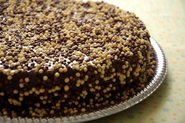 bolo brigadeiro delicioso para a festinha da escola