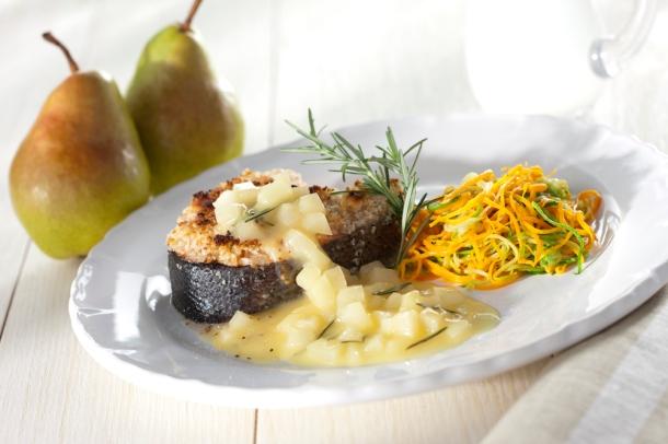 salmão com castanhas e molho de pera