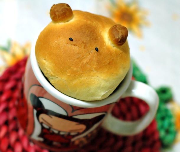pão caseiro de ursinho dentro da caneca