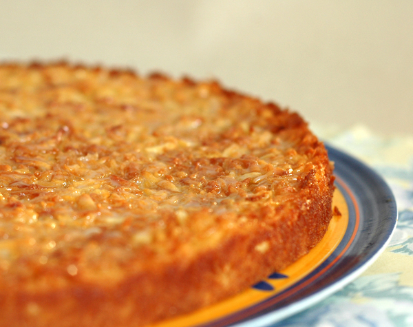 bolo de mandioca com coco e leite condensado 1