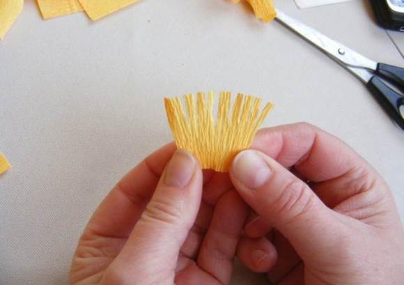 passo a passo tulipas de papel crepom